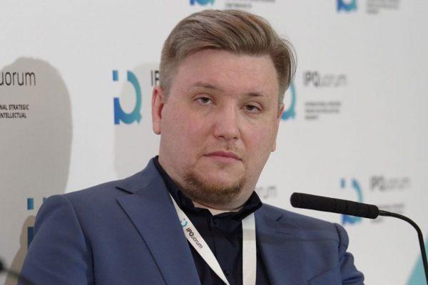 """Вице-президент МОА """"Союза"""" дизайнеров А.В.Рыжов"""